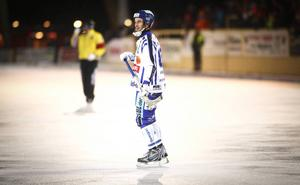 Daniel Andersson, 33, slutar med bandyn.