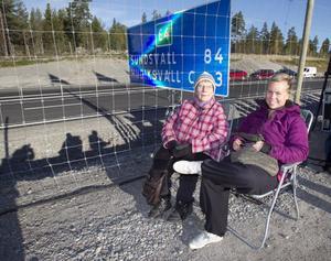 Birgit Molarin, Iggesund, mormor till Viktoria Gustavsson, Hudiksvall, hade tagit med egna stolar och satt på förta parkett.
