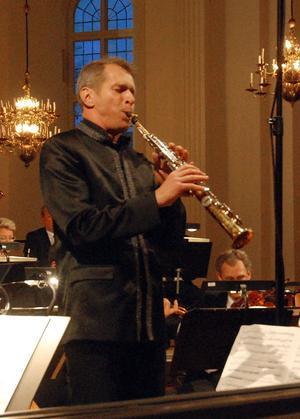 Anders Paulsson anses vara en av världens främsta sopransaxofonister. I lördags besökte han Säter där han framförde konserten