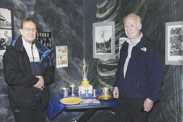 Intresse. Holger Westholm och Lars Ekegren är engagerade i Fagersta idrottshistoriska förening.Foto: Henriette Ståhlberg