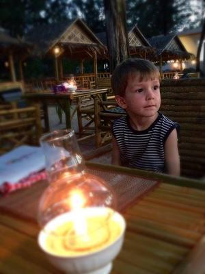 Adam Lincoln, fyra år, är redan en liten globetrotter.