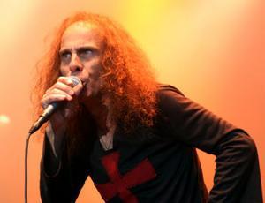 Ronnie James Dio är och förblir en av hårdrockens största sångare. På lördagens spelning i Blekinge satsade han klokt  på klassiker.