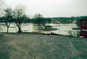 Översvämningen vid Gröna bron, Lindeskolan.