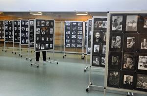 1 000 svartvita bilder finns till beskådande i Medborgarhuset under juni och juli.