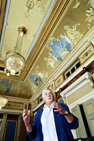 Hemmastadd. Sven-Erik Ekdahl hittar på teatern som i sin egen ficka, det här är hans barndomshem.