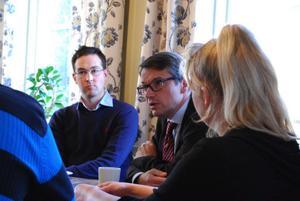 Sakarias Winberg, som är föreslagen att bli ersättare i partistyrelsen, tillsammans med KD:s partiledare Göran Hägglund under ett besök i leksand i höstas.