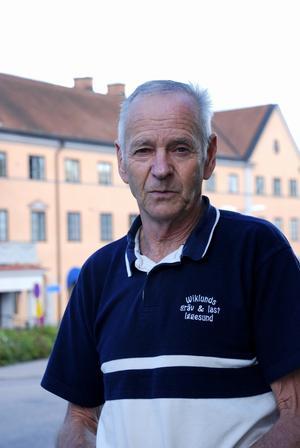- Vi värnar om landsbygden, och det är faktiskt den frågan som intresserar väljarna mest, säger Sverigedemokraternas Sven-Olov Karlsson. Foto:Anders Lagerquist