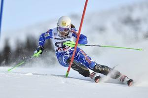 Petra Vlhova, Slovakien, slog igenom med dunder och brak och vann otippad söndagens slalomtävling.