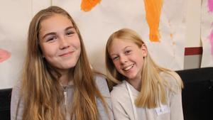 Annaklara Soverino och Livia Hårdstedt, sjundeklassare på Söderbaumska skolan i Falun.