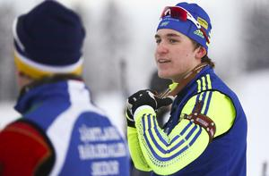 Martin Ponsilouoma, Tullus, tog silver tätt bakom Sebastian Samuelsson, I21, i rullskidskytte-SM-sprinten. Arkivbild