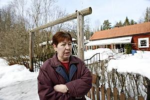Eva Andersson tittade på torpet för en bekants räkning. Hon berättar att hon inte visste om historien om hur makarnas torp blivit till salu.