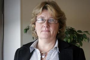 Carina Nilsson utreder möjligheterna att införa djurunderstödd behandling i Nordanstig.