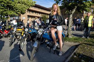 Erika Bystedt från Sollefteå visade upp sin blåa Puch Dakota.