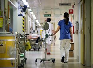 Landstinget Västernorrland ska testa bättre helgscheman för att lättare kunna rekrytera och behålla sjukvårdspersonal.