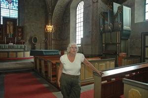 KYRKTORG. I södra delen av kyrksalen tänker församlingen göra ett kyrktorg genom att ta bort bänkar, berättar ordförande i kyrkorådet Britt Pagard (C).