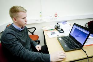 Jonas Berglund sitter i en sällsynt gynnsam sits. Det fasta jobbet på Atlas Copco i Grängesberg var klart redan när han tog studenten i våras.