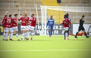 IFK Östersund hoppas få jubla även i division 2. Första testet blir Valbo, på bortaplan.
