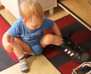 Fabian och pappa Mikaels sko
