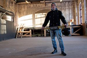 Inne på Kraftcentralen ska ungdomar kunna åka skatebord på portabla ramper.