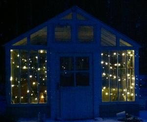 Vårt växthus glittrar som den pärla det är även i vintermörkret!