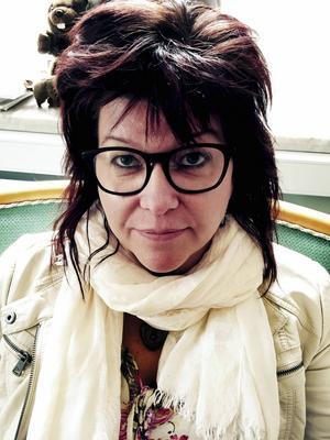 Inger Nilsson (V) är majoritetsföreträdare i kommunstyrelsen och har i princip ställt sig bakom motionen från Sverigedemokraterna