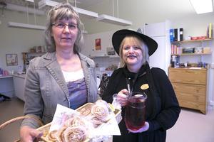 Den 27 oktober firade familjecentralen Villgott tio år med öppet hus. Bland dem som förmodligen får flytta nästa år finns förskolläraren Lillemor Norström och samordnaren Lotta Borg.