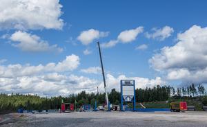 På Åkerigrusanläggning i Bosvedjan bygger Skanska ett nytt asfaltverk.