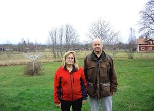 Ann och Anders Björklund har mer än fullt upp med odlingarna och jobb vid sidan av. Nu i vinter, då de kan andas ut lite, levererar paret bland annat jordärtskockor till Pernilla Wibergs hotell i Idre.
