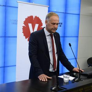 Inte heller Vänsterpartiet gjorde ett särskilt bra val, trots en populär partiledare, Jonas Sjöstedt, och en tydlig vänsterretorik. Visst borde det väl ha kunnat gå lite bättre för vänstern? Vad saknades?