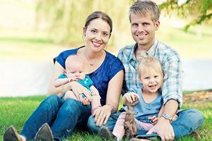 Joakim Bergkvist, 33 år, uppvuxen i Alfta och bor med fru Adrian och barnen Ella, 3 år, och Liam, 3 månader, Dallas, Texas.