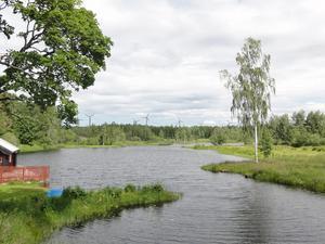 Fotomontage inklusive vindkraftverk med utsikt från Olsbenning. Foto och montage: VKS