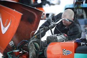 Lars-Erik Andersson, Värmdö, åker gärna etthundratrettio mil med bil och släp för att få tävla med sin gamla Rush.