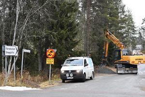 Gatubelysning plockas bort och strömförsörjningen mellan kommun och Trafikverk separeras.