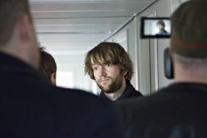 Simon Nilsson pressades hårt efter att han tagit över ansvaret för ambulansen i Region Gävleborg.
