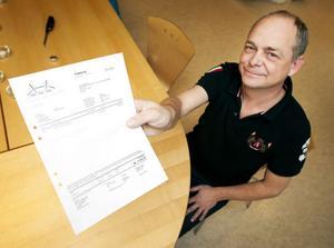 Mats Eriksson vill varna för falska fakturor. Själv fick han en faktura på över 6000 kronor för en