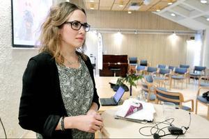 – Som anhörig ska man inte behöva skämmas för sjukdomen och ta allt ansvar själv, säger Susanne Axelsson från Sundsvall som startade en egen hemsida för unga anhöriga till föräldrar med demens.