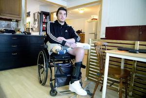 Nu i vår har William tagit ett stort steg i sin rehabilitering i och med sin nya protes.