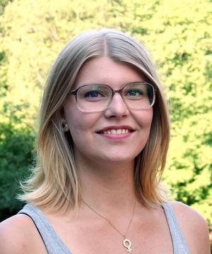 Lisa Lööf (S) tar plats som en av de yngsta ledamöterna.