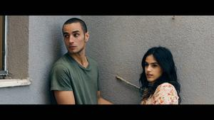 Omar (Adam Bakri) och Nadia (Leem lubany) smyger med sitt förhållande i palestinska dramat