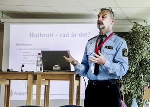 Polisen Göran Stanton berättade hur polisens hatbrottsgrupp i Stockholm jobbar.
