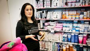 Märta Jirjis, butikschef på Kicks, är en av dem som tycker att kundantalet har minskat.