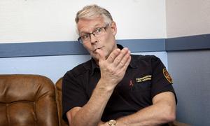 Lars Andersson säger att det är mycket att ta hänsyn till i samband med en utryckning, men att säkerhetstänket hela tiden måste finnas.