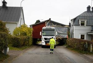 Trång passage på Egnahenmsvägen i Fagervik.