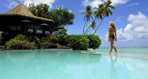 Aiutaki lagunen, vid Cooköarna. Här kostar en bungalow runt 6 841 kronor per natt.
