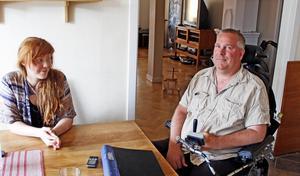 Andreas Obenius och Lotta Forssblad tror att basinkomst skulle öka jämlikheten.