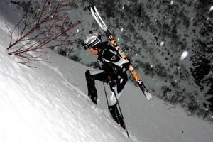 Norrmannen Ola Berger tillhör toppnamnen inom europeisk skidalpinism och svek inte som förhandsfavorit i Vertex Vinter. Här ser vi honom på väg upp för Musberget på Åreskutan.