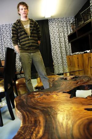 Blev möbelhandlare. 21-årige Olov Pettersson blev förtjust i det han såg på fabriken, ingen möbel var den andra lik. Han bestämde sig för att importera en kollektion till Sverige. Foto:Johan Källs