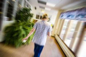 Många undersköterskor i Söderhamns kommun har uttryckt att de delade turerna skapar stress på arbetsplatsen.