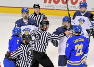 Snart får vi se Småkronorna möta de finska lejonen i Örnsköldsvik när U18-VM kommer till staden 2019.