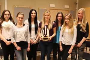 Årets luciatåg består av Clara Borrsjö, Hsamia Liebert, Ina Henriksson, Lovisa Persson, Denisé Capogrosso Olsson, Jennifer Wikström och Linn Magnusson.